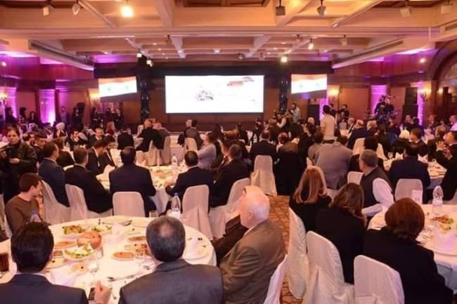 أكثر من 60 رجل أعمال سوري يوقعون عشرات اتفاقيات التعاون فيما بينهم خلال حفل تكريم رجال وسيدات الأعمال