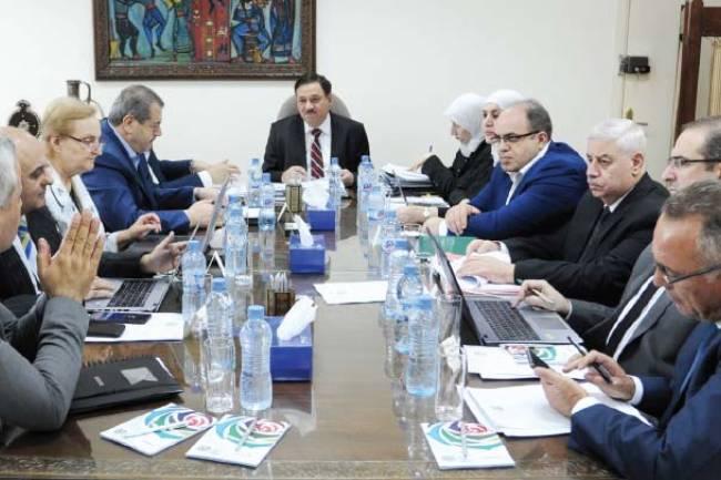 اللجنة الاقتصادية تجتمع في المعرض وتقرر دعم صادراته بنسبة 15 إلى 20% من قيمتها