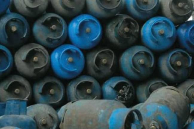 جمعية الغاز : أسطوانات الغاز لازالت في السيارات منذ أسبوع دون بيع والسبب الرسائل