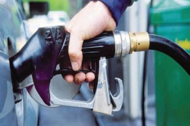 وزارة النفط تعدل المدة التي يسمح للسيارت تعبئة البنزين خلالها