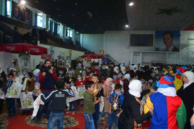 جمعية كيوان تقدم مستلزمات الشتاء لنحو 700 طفل يتيم خلال مهرجان دفء الطفولة