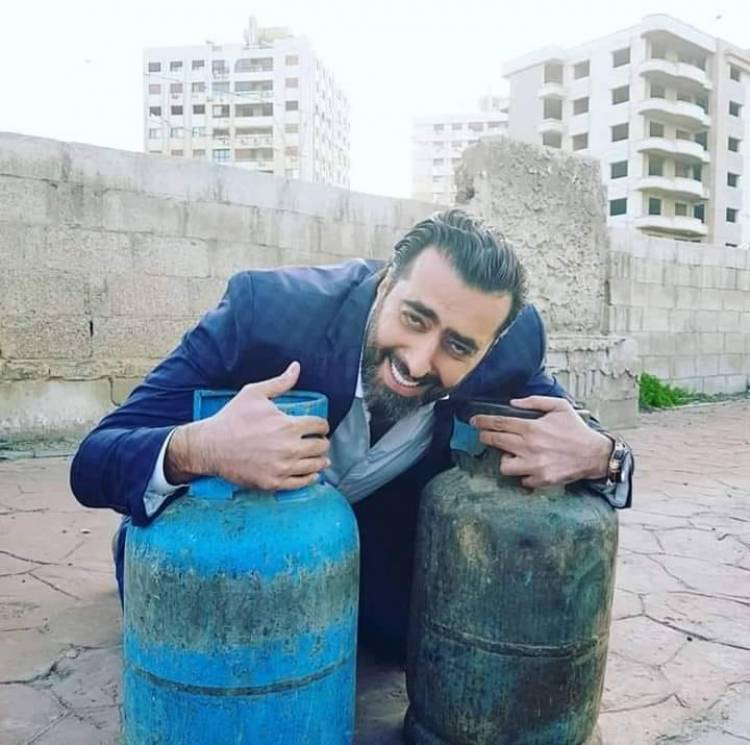 بالصور .. كيف تفاعل فنانو سورية مع أزمة الغاز